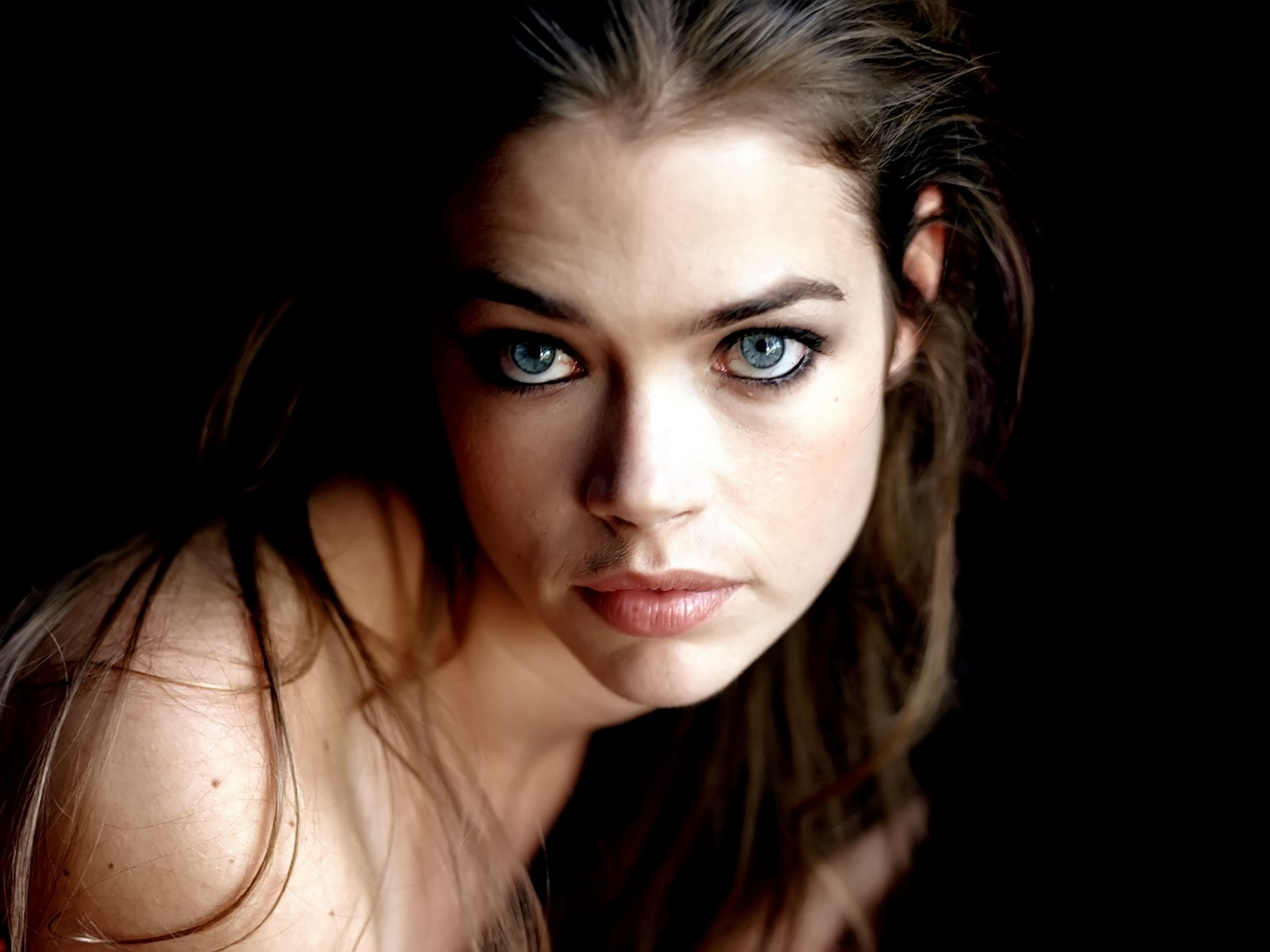 50003_Denise_Richards_03_123_241lo.jpg