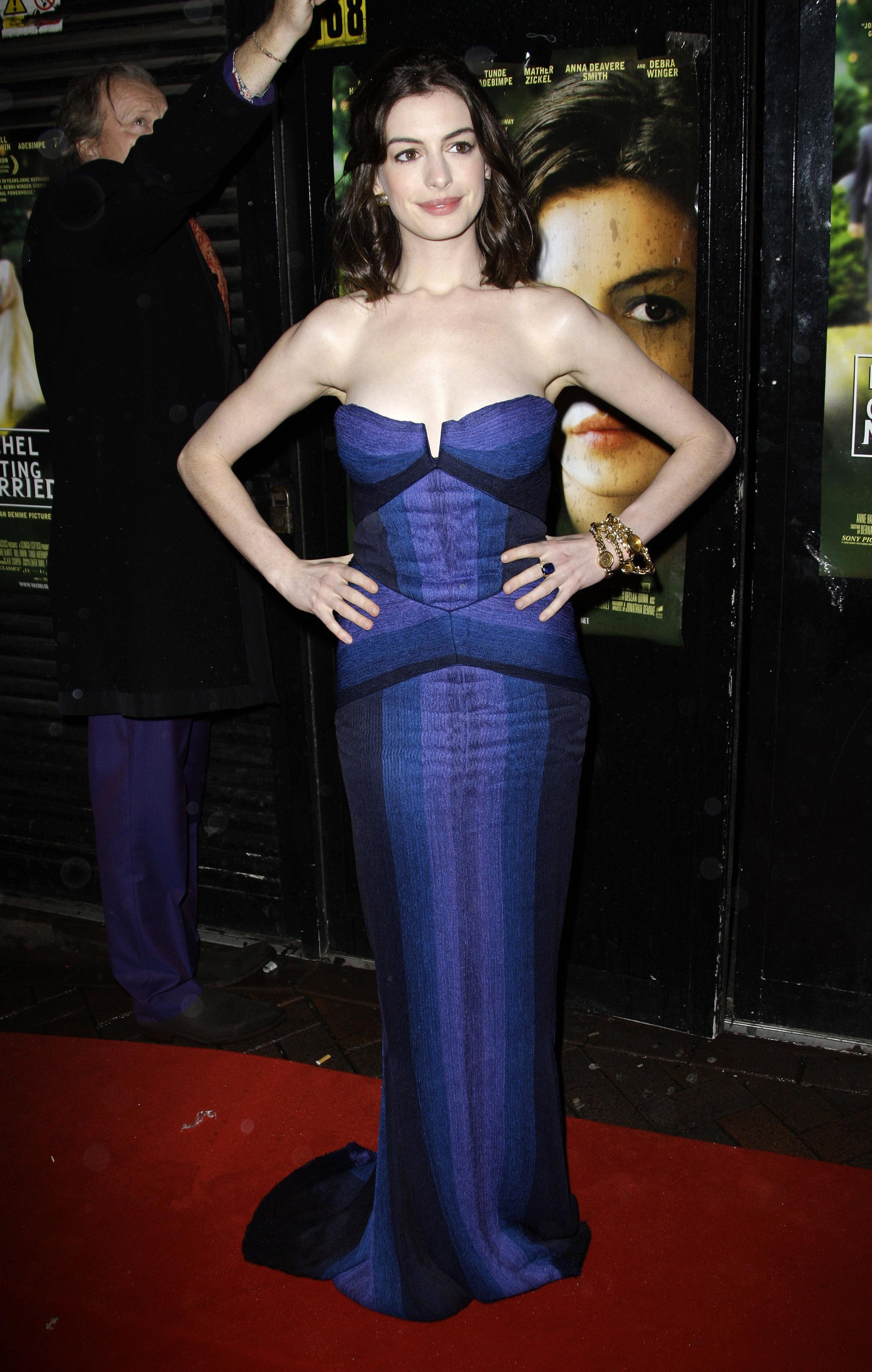 36042_Anne_Hathaway-Rachel_Getting_Married_premiere-007_122_1037lo.jpg