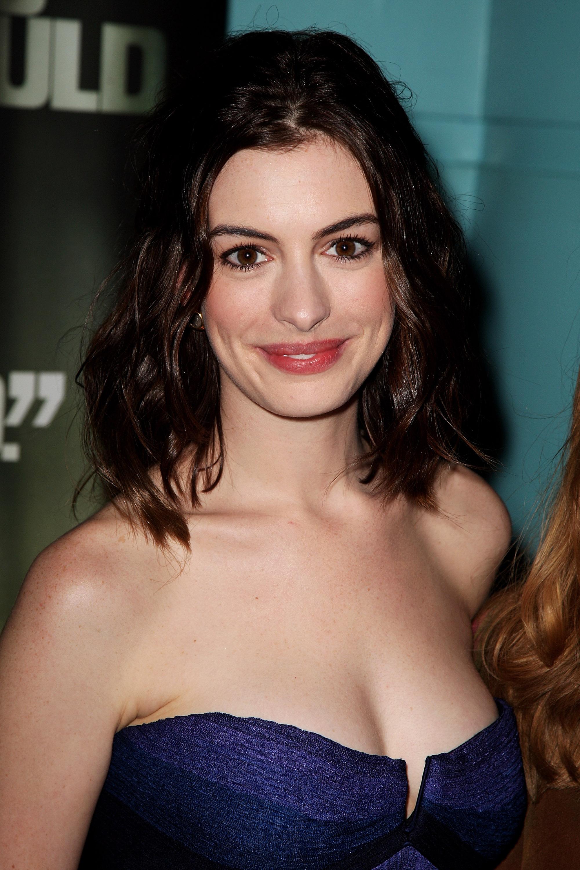 36497_Anne_Hathaway-Rachel_Getting_Married_premiere-022_122_1140lo.jpg