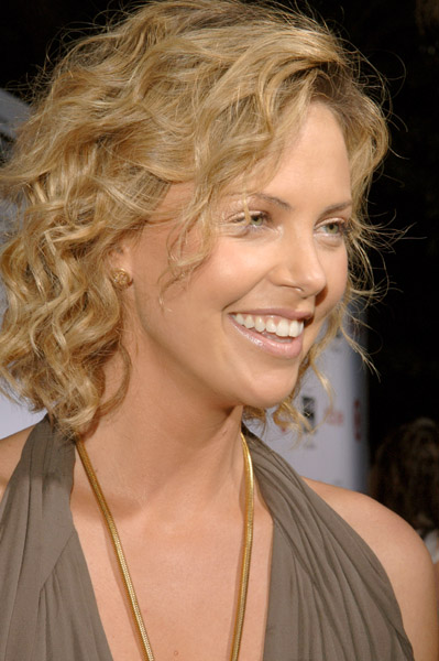 87680_CharlizeTher_Cohen_9294323_123_257lo.jpg