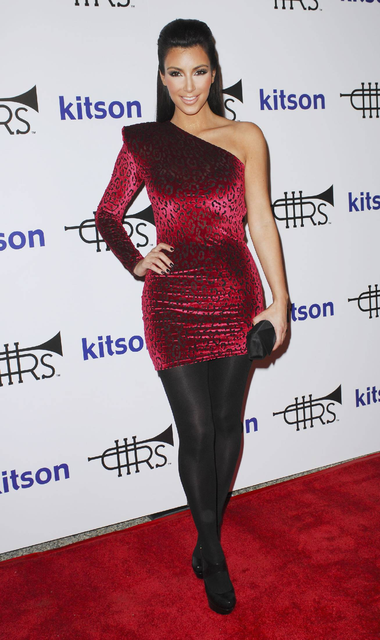 44985_Kim_Kardashian_06_122_153lo.jpg