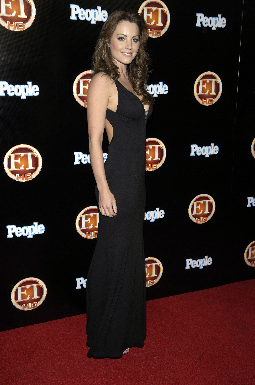 99776_Celebutopia-Erica_Durance-Entertainment_Tonight_Emmy_party-02_122_1109lo.jpg