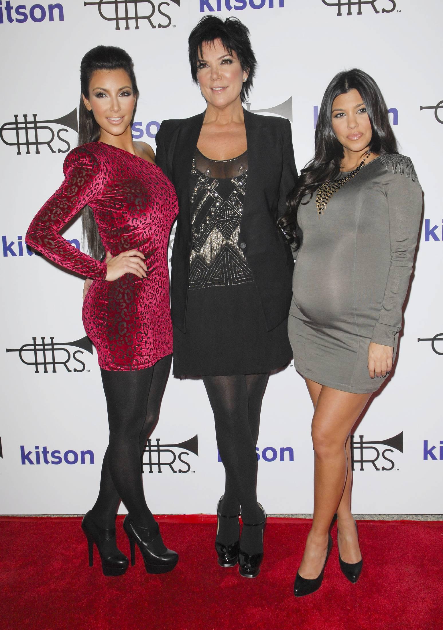 44977_Kim_Kardashian_04_122_260lo.jpg