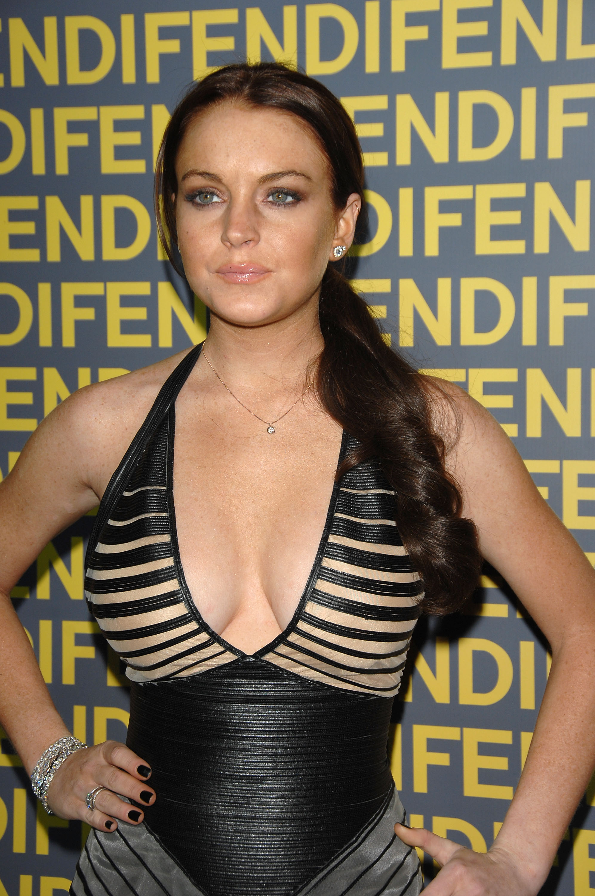 97934_Lindsay_Lohan_-_Fendi_Celebrates_Redesigned_Rodeo_Drive_Flagship_Store_195_122_937lo.jpg