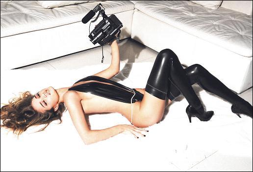84823_rosie_huntington_whiteley_GQ_Magazine_8_123_1184lo.jpg