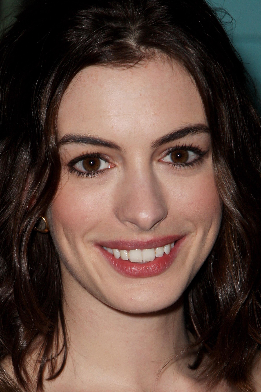36534_Anne_Hathaway-Rachel_Getting_Married_premiere-024_122_257lo.jpg