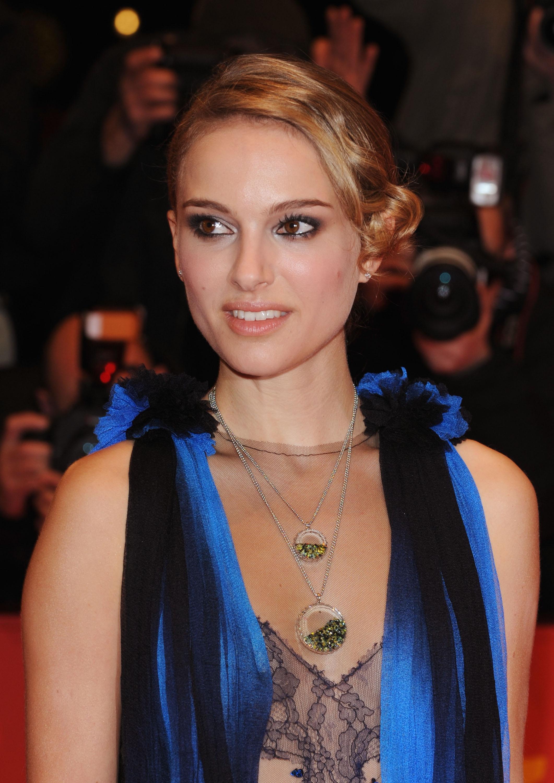 15758_Natalie_Portman-The_Other_Boleyn_Girl_Premiere_5120_122_398lo.jpg