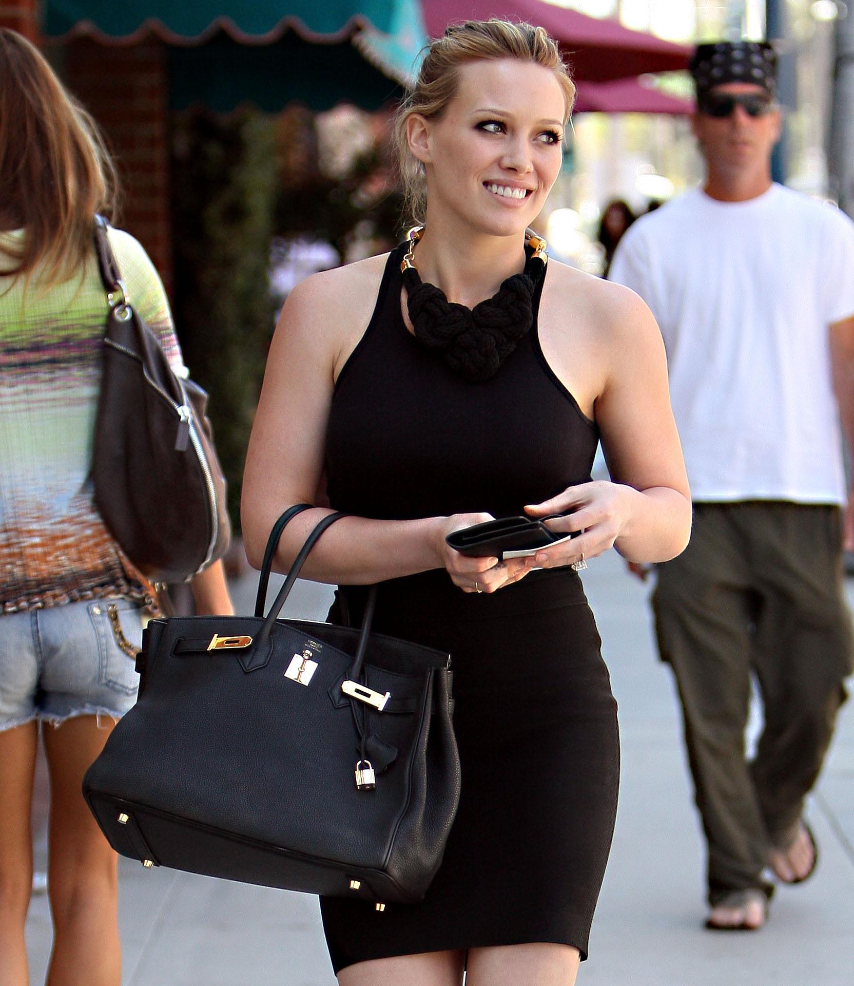85135_Hilary_Duff_Gucci_Beverly_Hills13_122_588lo.jpg