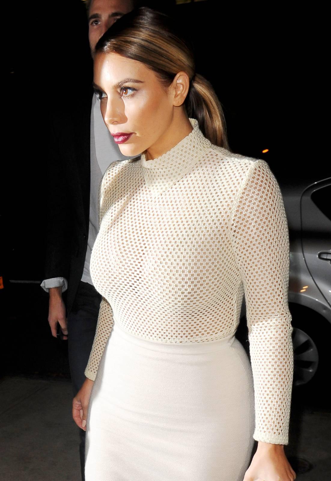 904244774_Kim_Kardashian_191113_ReSiDuO23_123_551lo.jpg