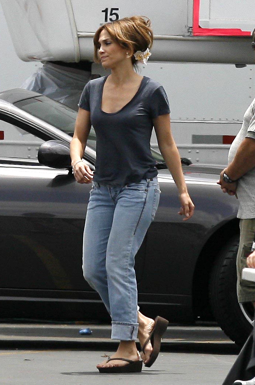 34333_Preppie_-_Jennifer_Lopez_on_The_Back-Up_Plan_set_in_Pasadena_-_June_15_2009_723_122_476lo.jpg