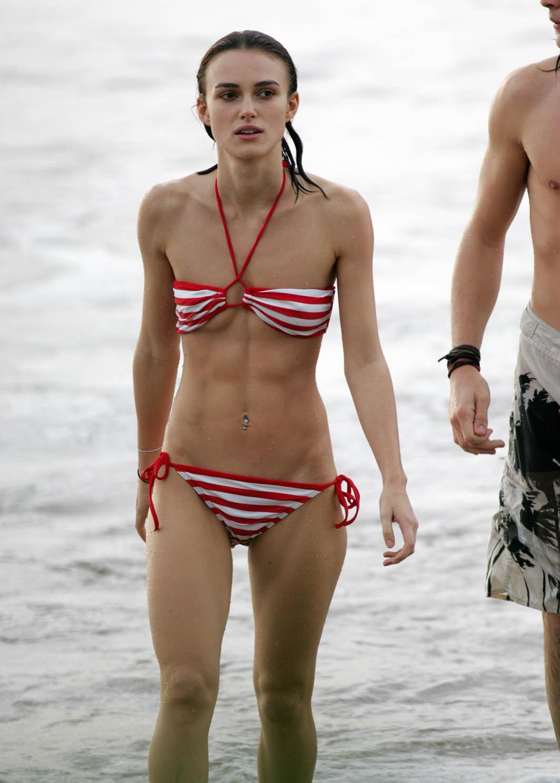 97466_keira_knightley_bikini_boy_big_123_689lo.jpg