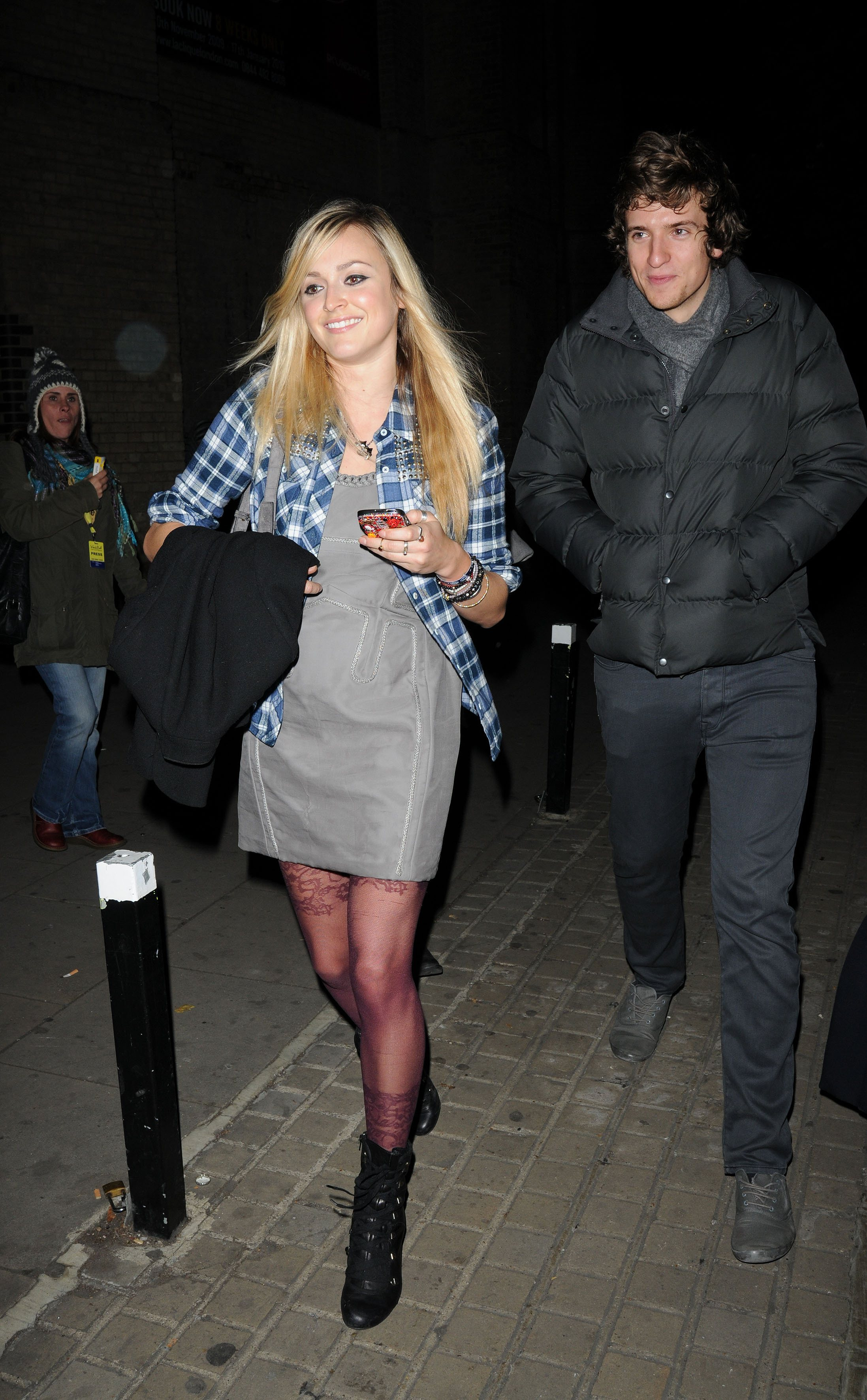 06349_Fearne_Cotton_Arrives_for_Robbie_Williams_gig_as_part_of_BBC_Electric_Proms_Festival_03_122_196lo.jpg