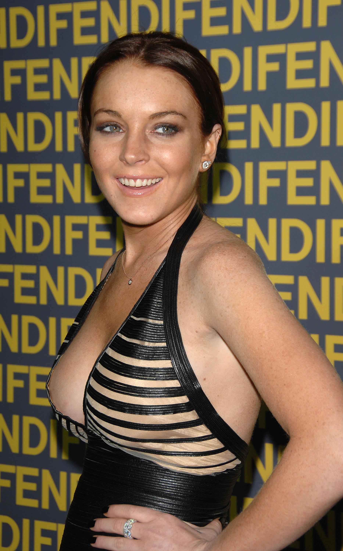 97750_Lindsay_Lohan_-_Fendi_Celebrates_Redesigned_Rodeo_Drive_Flagship_Store_849_122_112lo.jpg