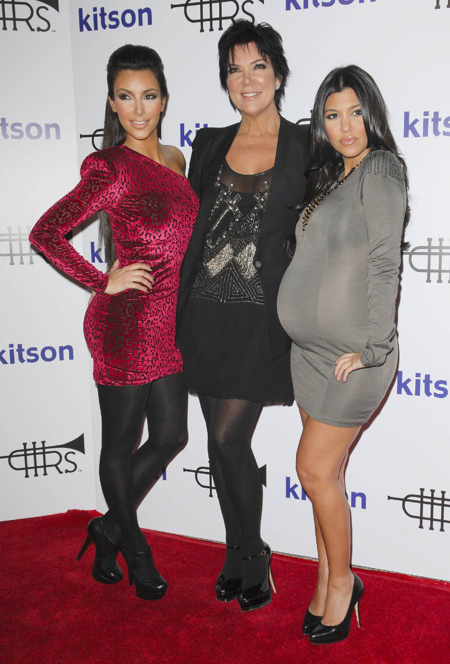 44964_Kim_Kardashian_01_122_227lo.jpg
