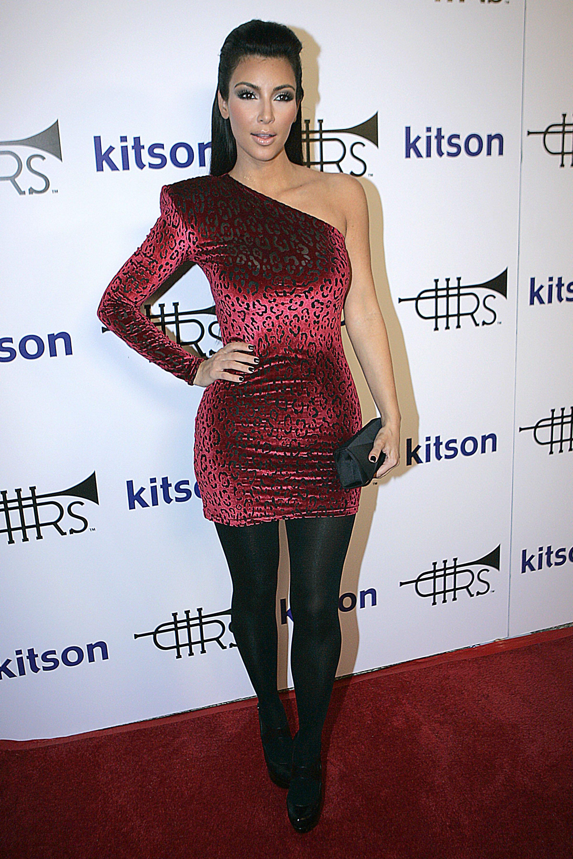 45525_Kim_Kardashian_12_122_412lo.jpg