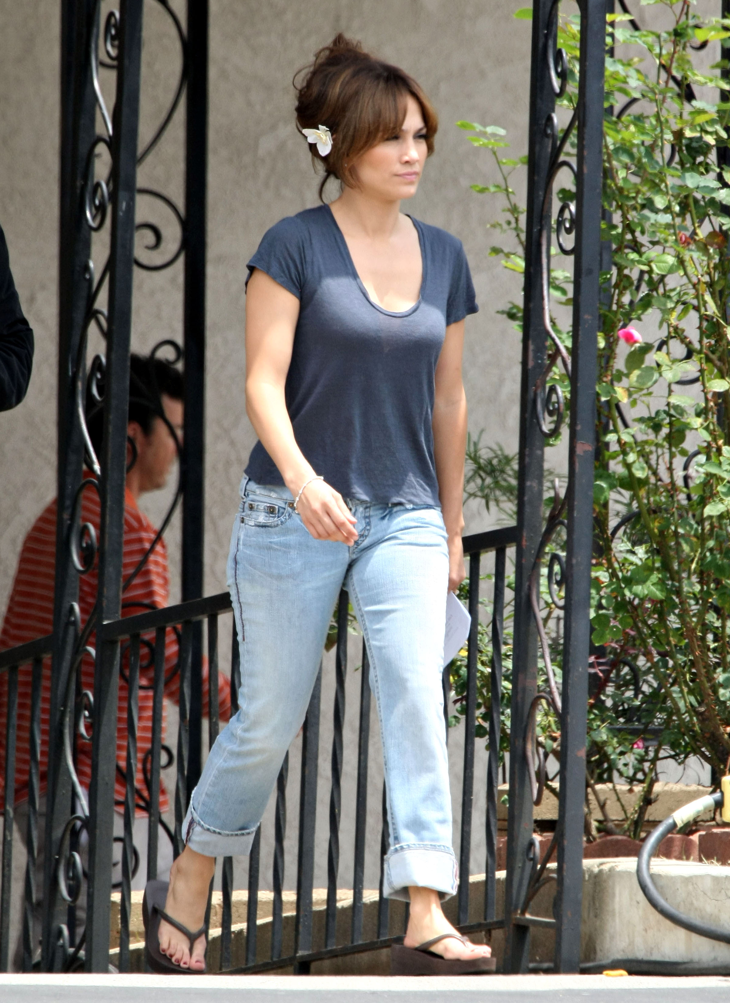 35991_Preppie_-_Jennifer_Lopez_on_The_Backup_Plan_set_in_Los_Angeles_-_June_15_2009_979_122_1lo.jpg