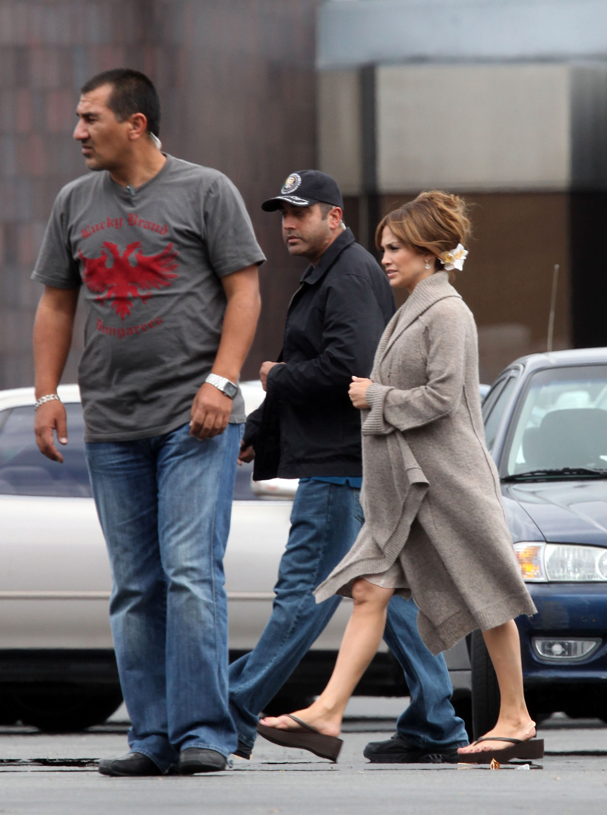 40525_Preppie_-_Jennifer_Lopez_on_The_Back-Up_Plan_set_in_Los_Angeles_-_June_15_2009_019_122_142lo.jpg