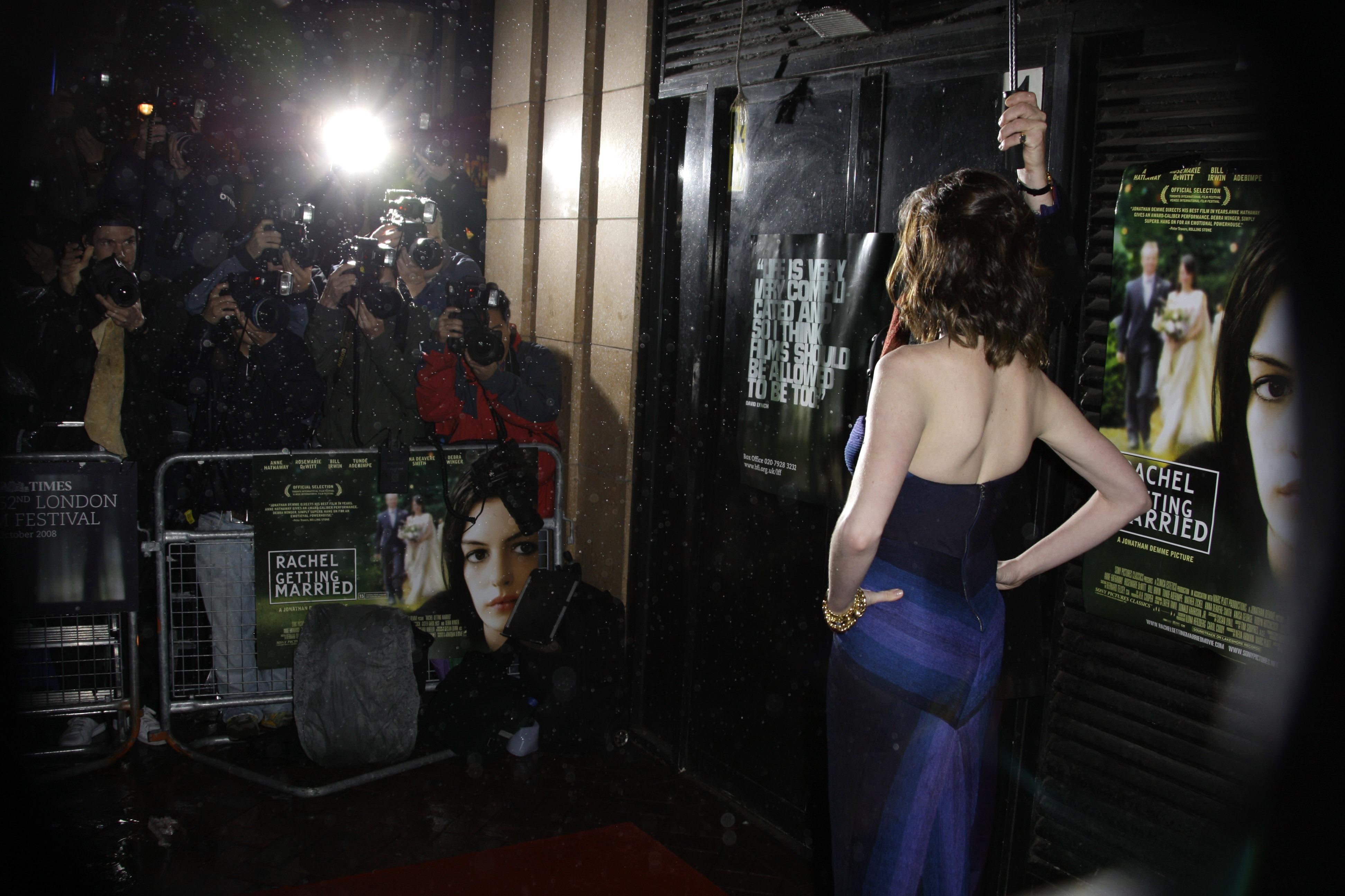 36782_Anne_Hathaway-Rachel_Getting_Married_premiere-030_122_852lo.jpg