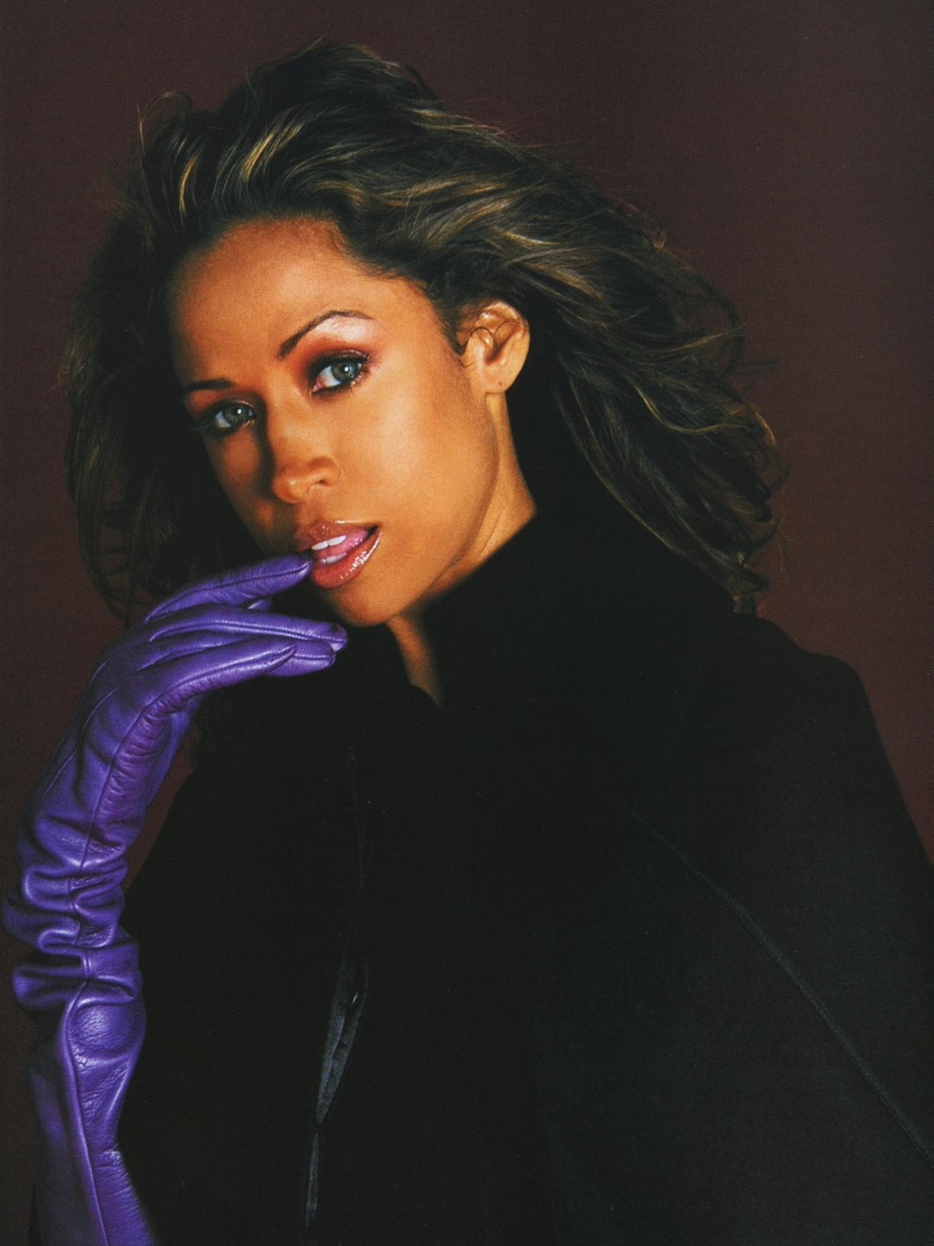 80082_StaceyDash03_122_525lo.jpg