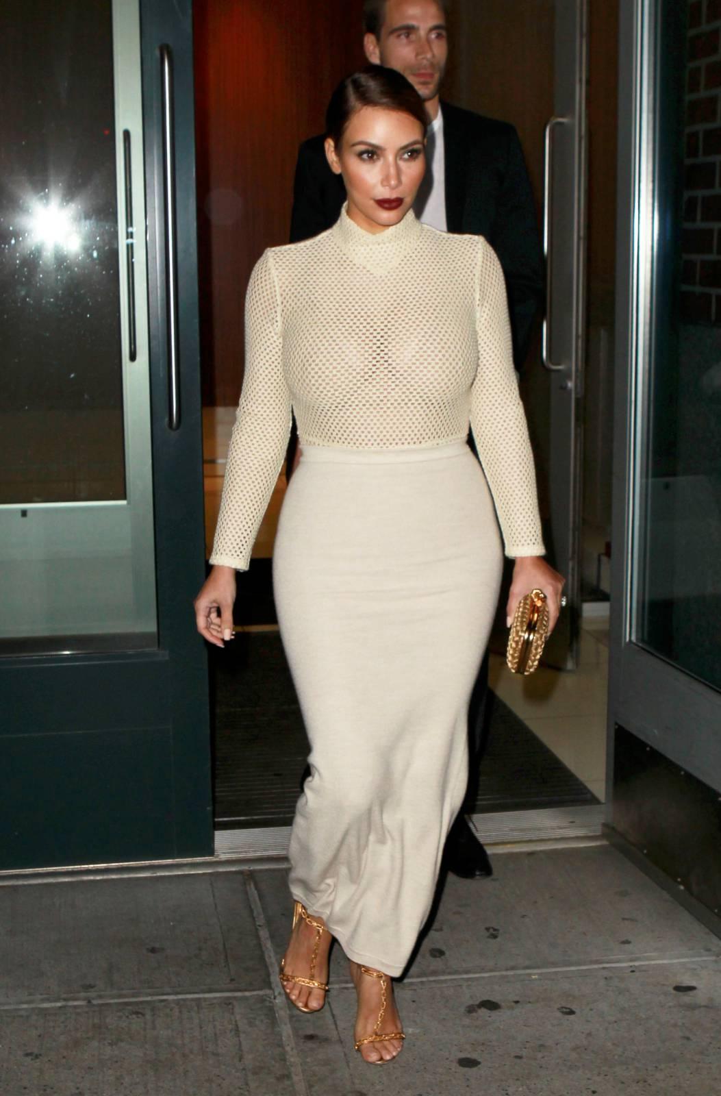 904204200_Kim_Kardashian_191113_ReSiDuO4_123_539lo.jpg