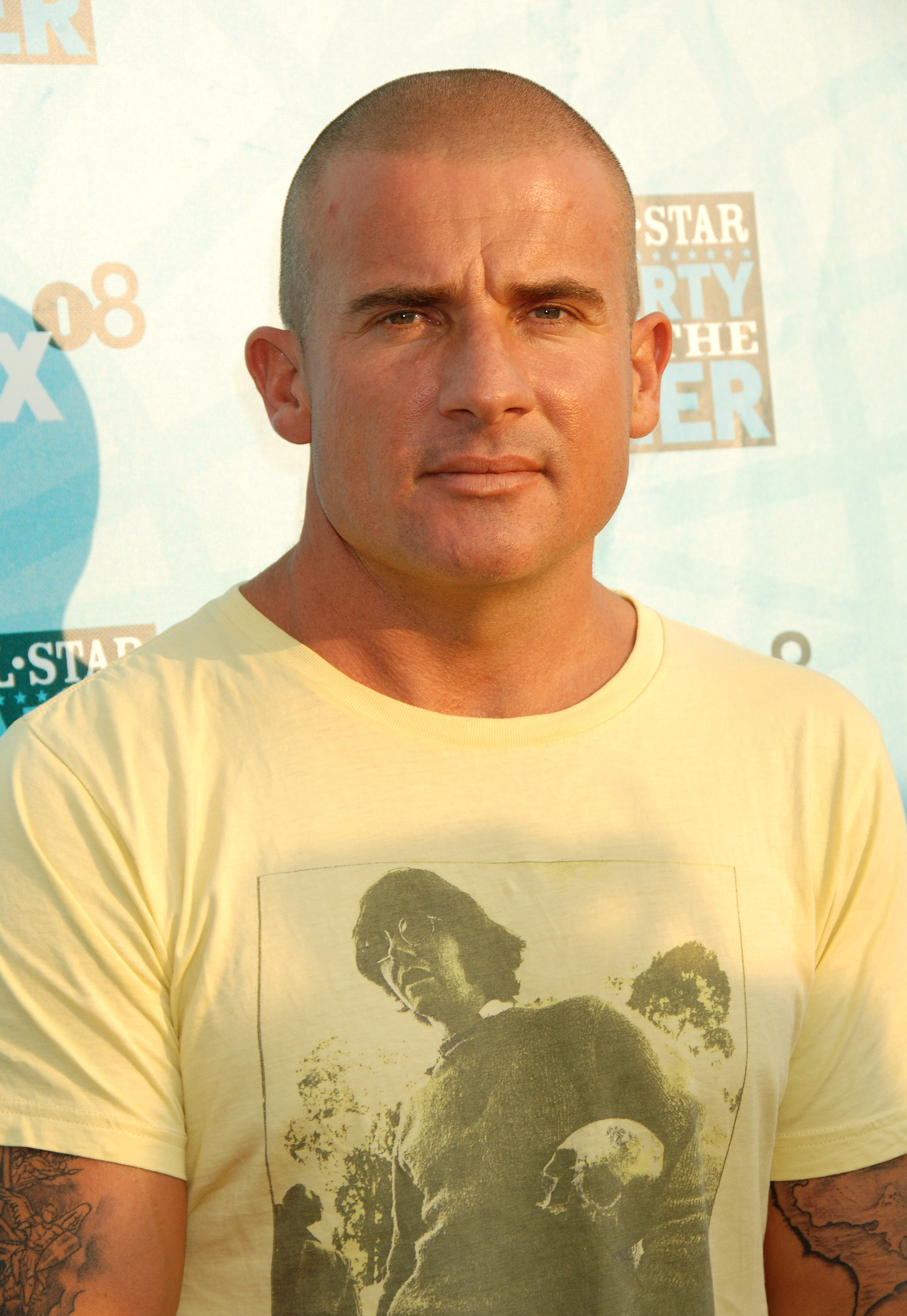 42303_Dominic_Purcell_-_FOX_Networks_Summer_TCA_party_CU_ISA_140708_01_122_406lo.jpg