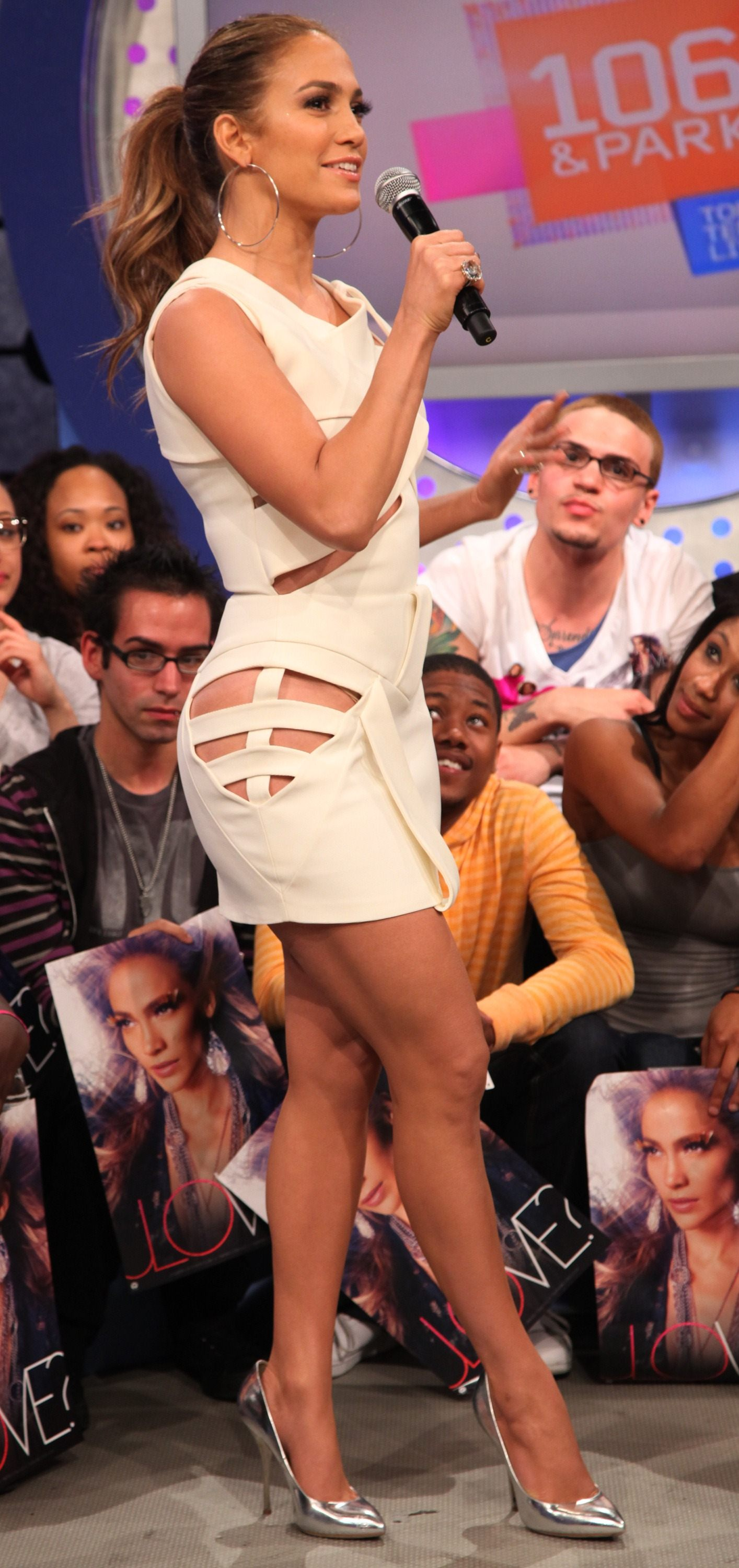 26062_Jennifer_Lopez_20110503_visits_BETs_106_and_Park_008_122_465lo.jpg