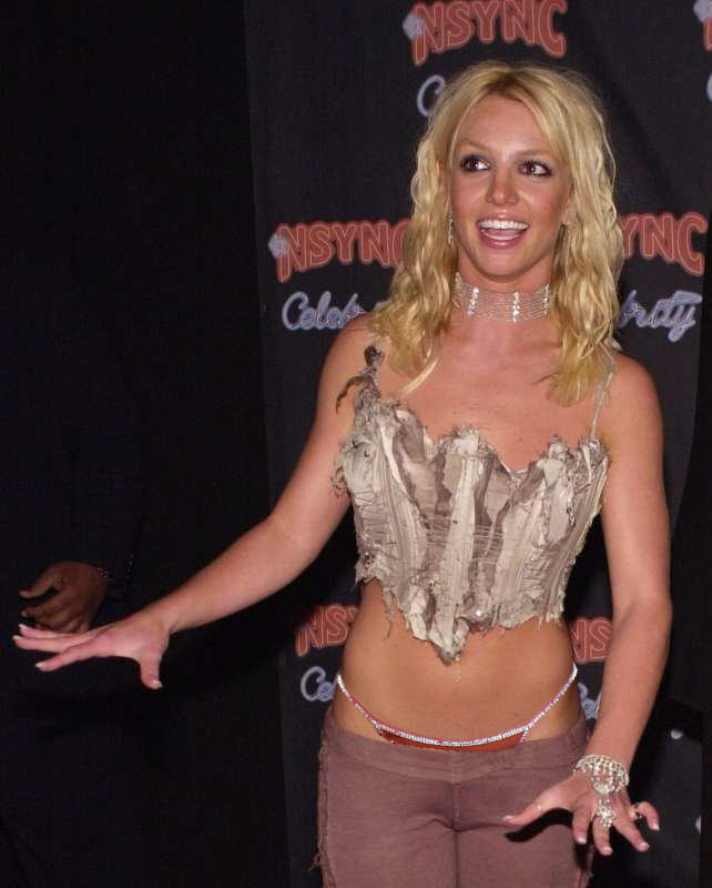 50328_britney_spears_-_wearing_a_g-string_-_tanga_-_very_sexy_pants_-_122_1135lo.jpg