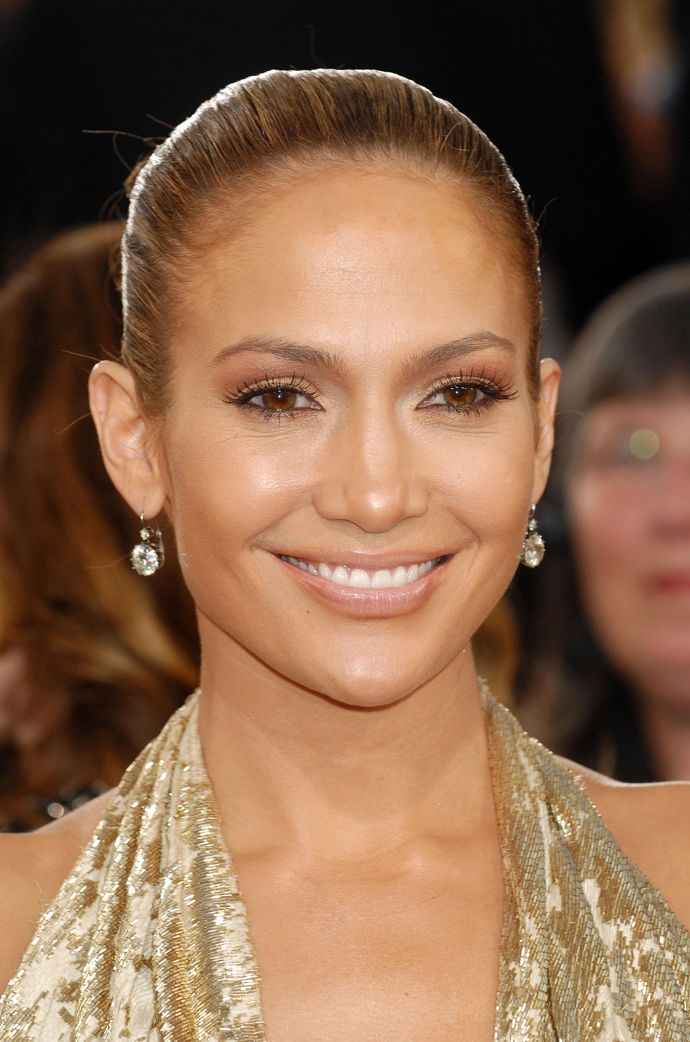 29136_Celebutopia-Jennifer_Lopez_arrives_at_the_66th_Annual_Golden_Globe_Awards-06_122_224lo.JPG