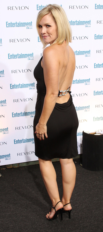 91470_Celebutopia-Jennie_Garth-Entertainment_Weekly99s_Sixth_Annual_Pre-Emmy_Celebration_party-02_122_910lo.jpg