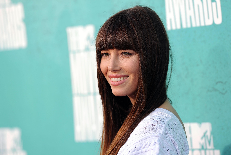 877195912_Jessica_Biel_at_the_2012_MTV_Movie_Awards_in_LA_11_122_479lo.jpg