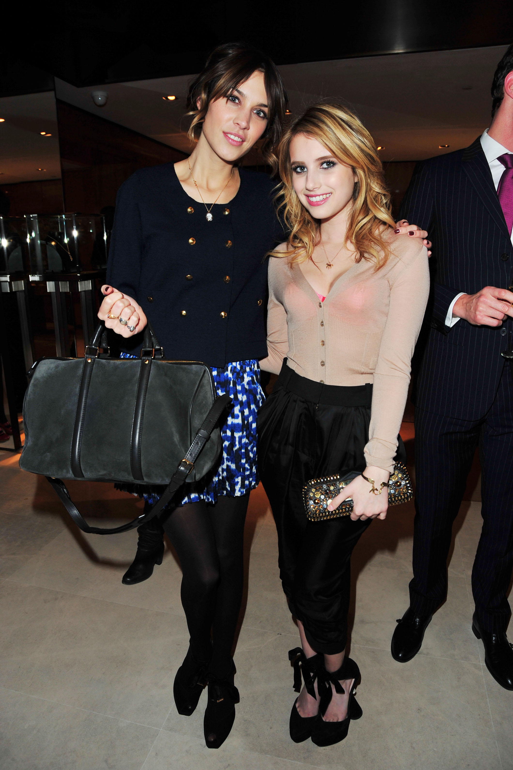03011_Emma_Roberts_LV_Teen_Vogue_celebration_-005_122_382lo.JPG