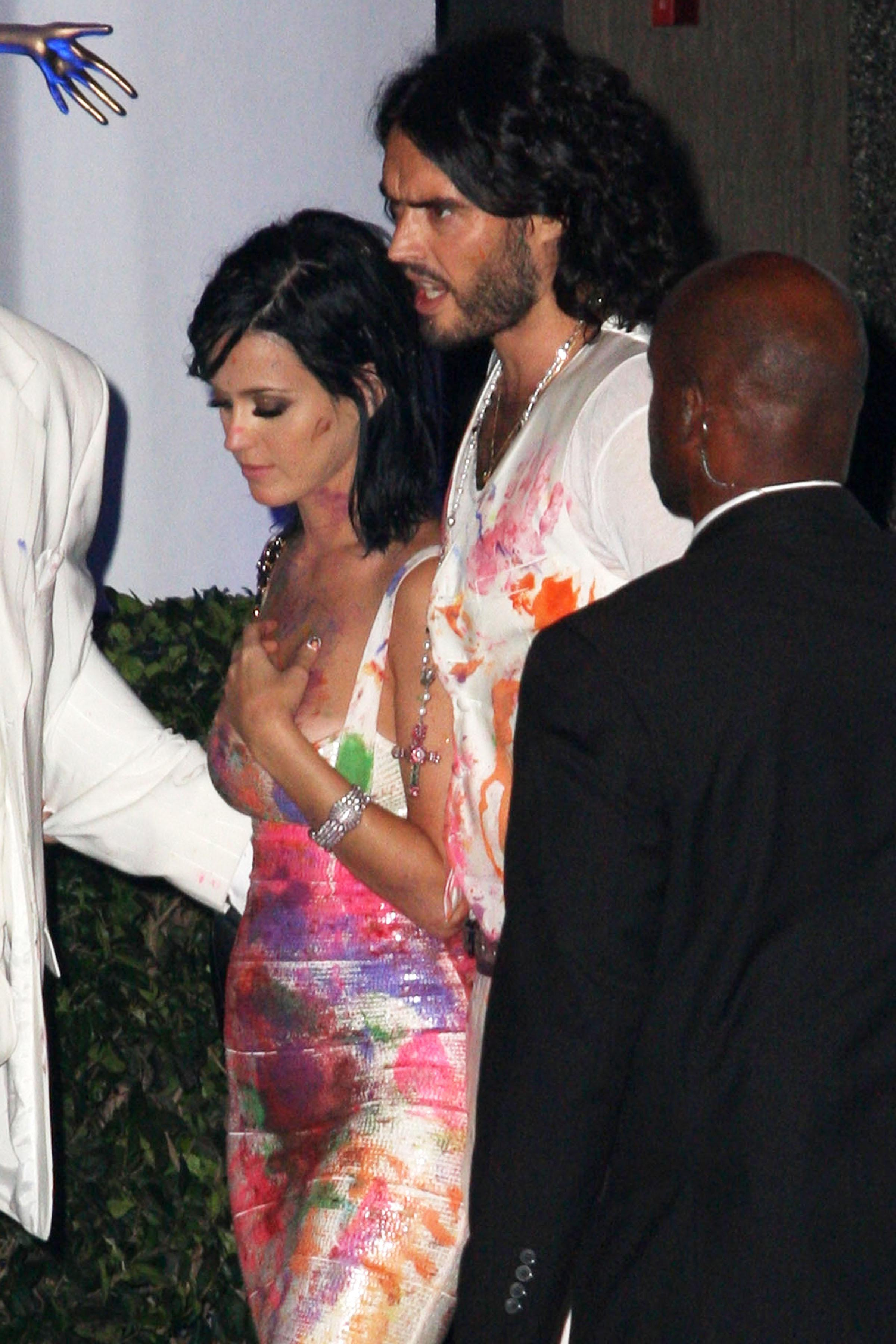 74473_Katy_Perry_celebrates_her_25th_birthday_at_Sunset_Beach_in_Hollywood_122_112lo.jpg