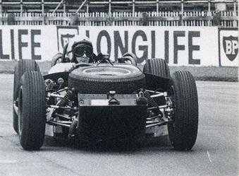 66727_McLaren_Racing_Line_1997_03_80209_10_McLaren_B_2__122_175lo.jpg