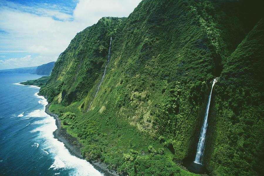 303676638_big_island_waterfall_greg_vaughn__printscapes_122_21lo.jpg