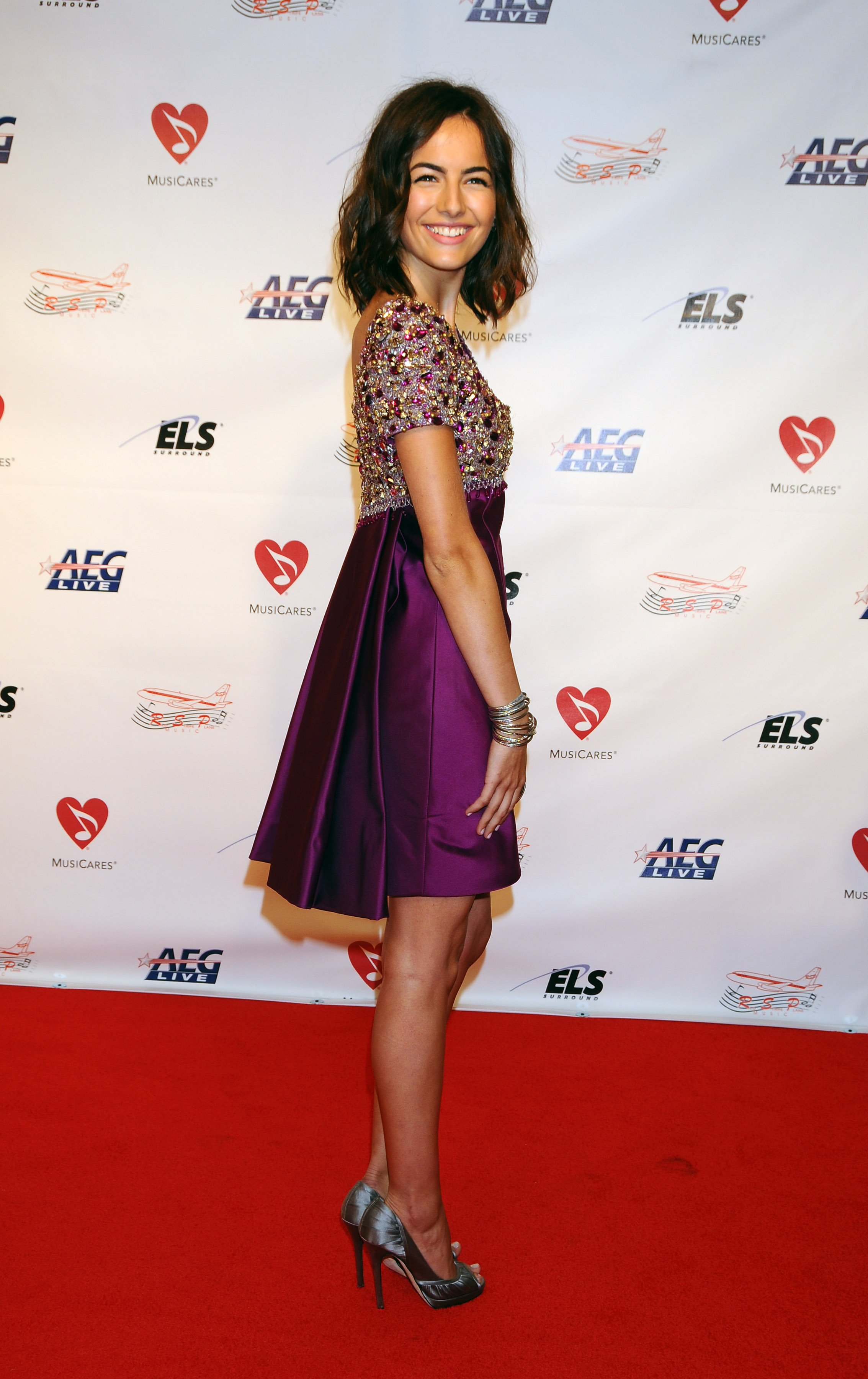 07388_Celebutopia-Camilla_Belle_arrives_at_the_2009_MusiCares_Person_Of_The_Year_Gala-07_122_228lo.JPG