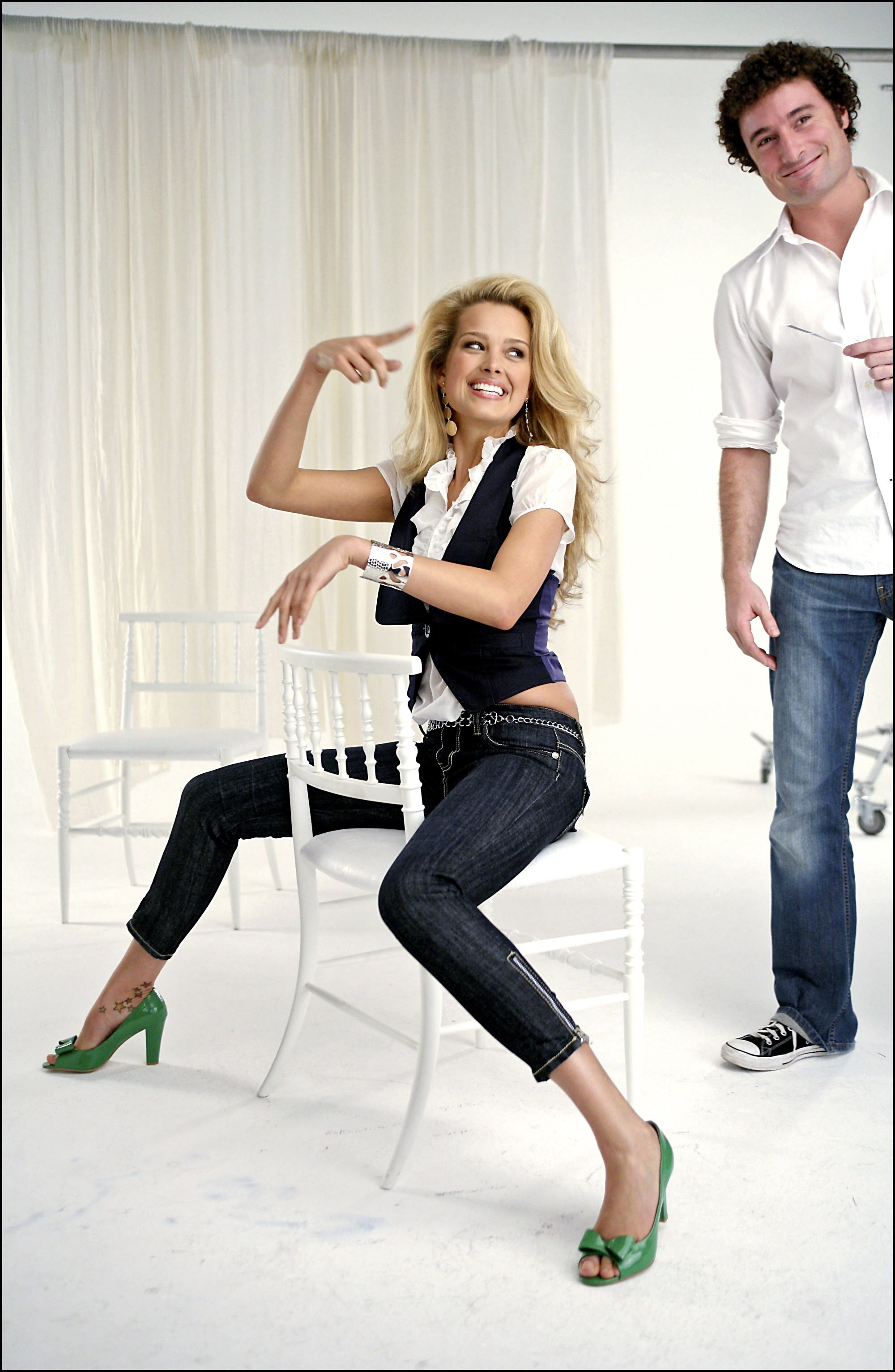 54489_Celebutopia-Petra_Nemcova_behind_the_scenes_on_her_new_photo_shoot_for_the_clothing_company_Rampage-08_122_919lo.jpeg