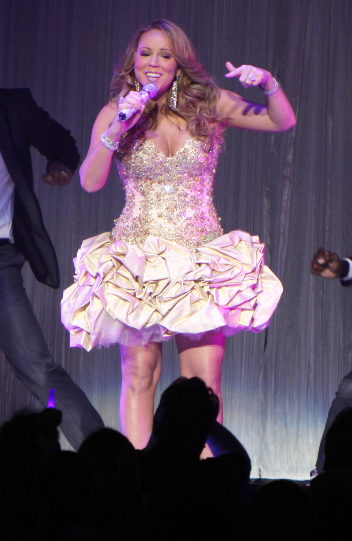 98410_Mariah_Carey_Concert_Atlanta-4_122_16lo.jpg