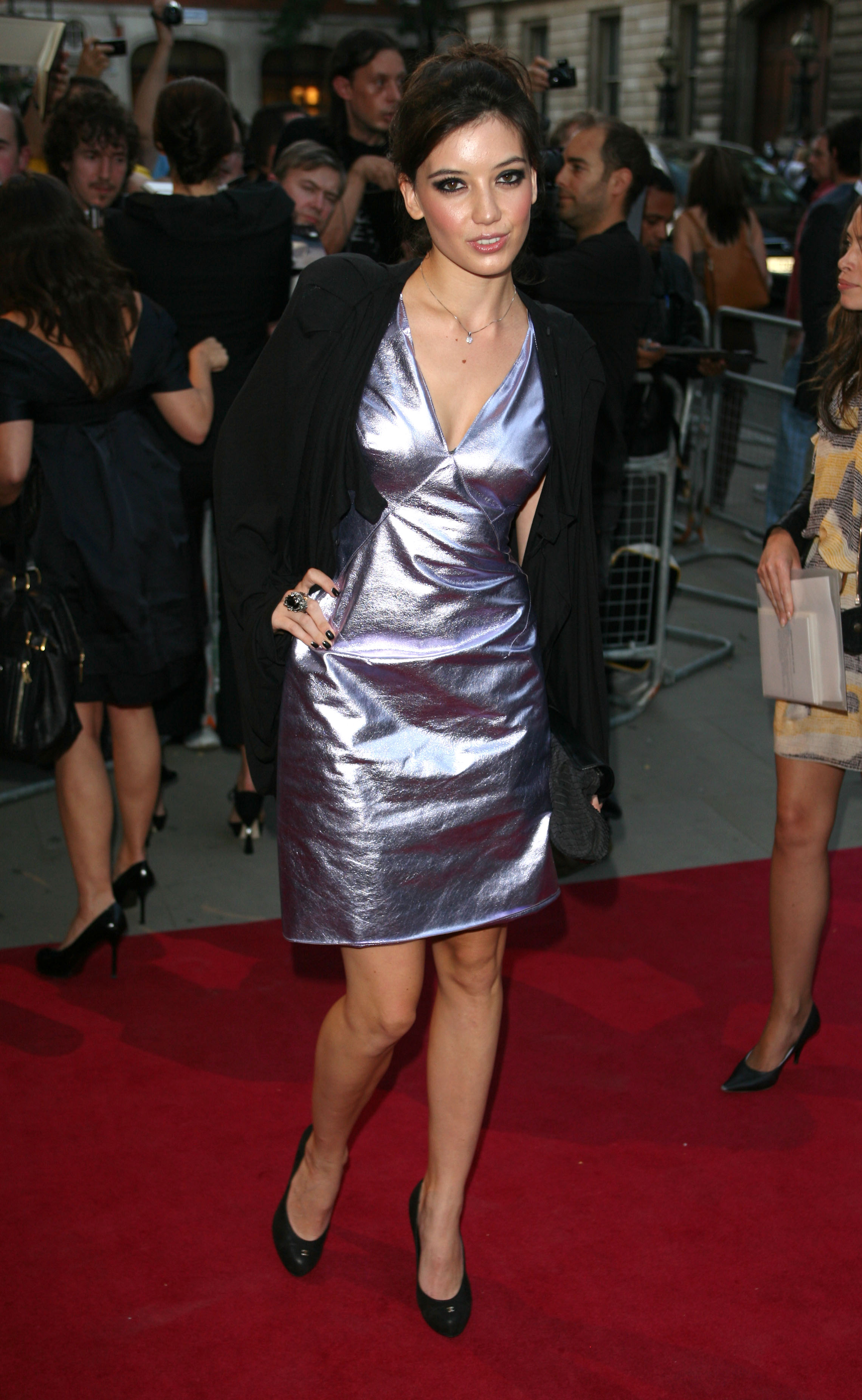 20147_Daisy_Lowe_-_GQ_Men_Of_The_Year_Awards_8th_Sept_2009_193_122_417lo.jpg