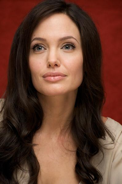 09458_Celebutopia-Angelina_Jolie-Vera_Anderson_portraits_session-19_122_1022lo.jpg