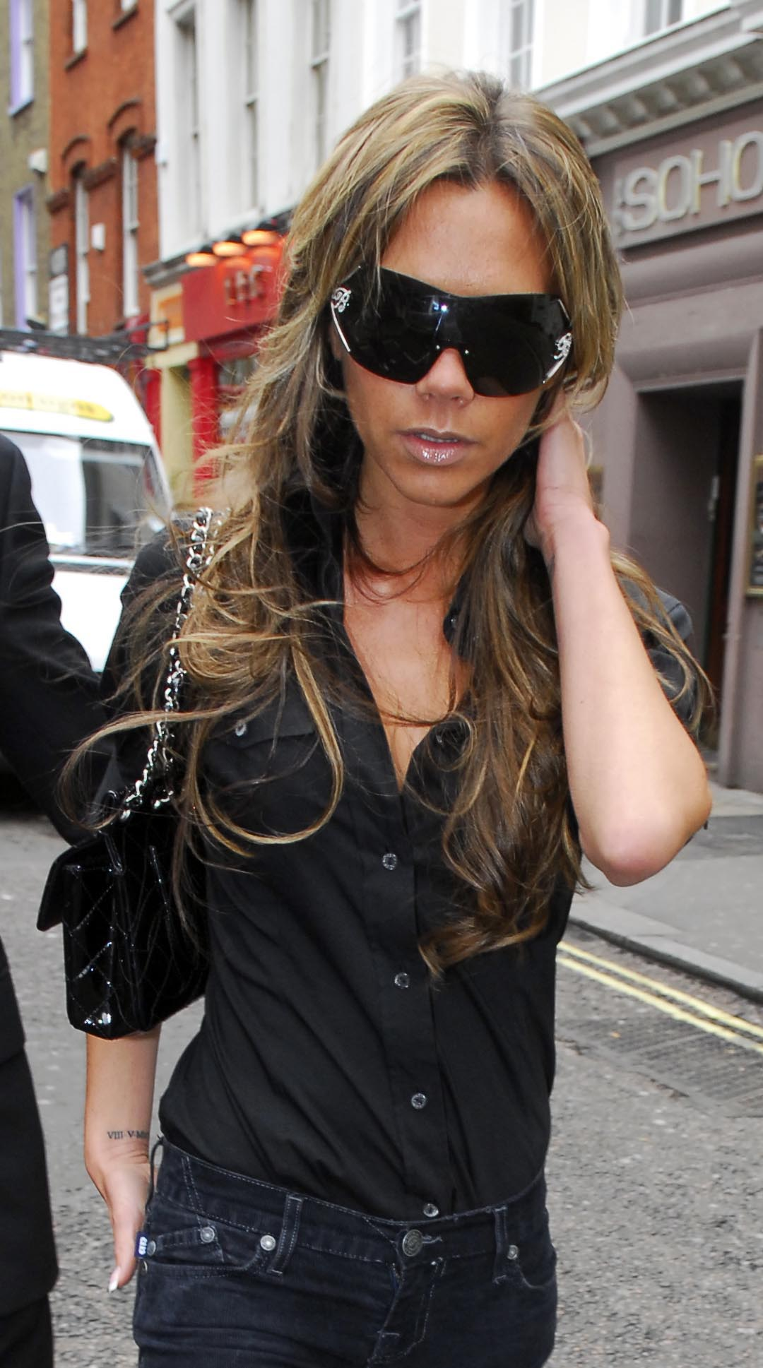 93855_Victoria_Beckham_out_and_about_in_London_07.jpg