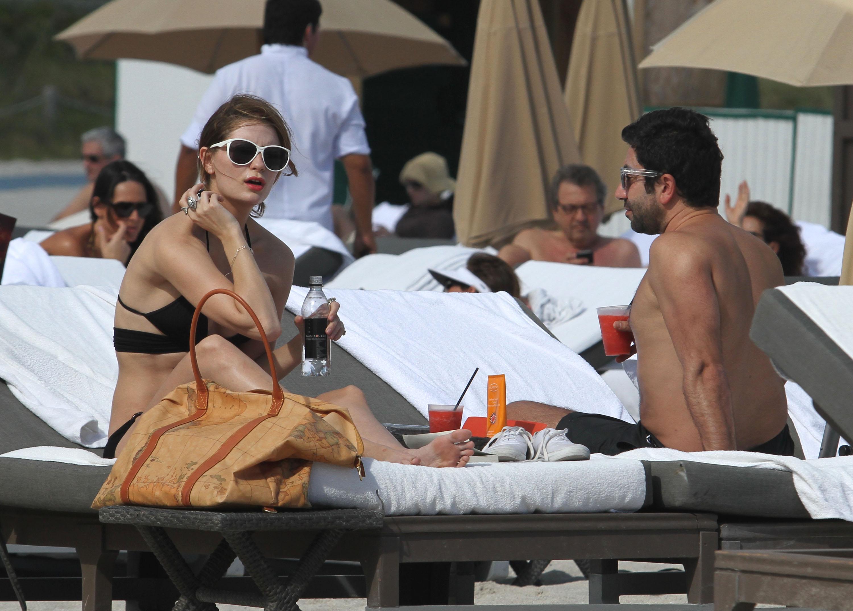 311774265_Mischa_Barton_Bikini_Candids_on_the_Beach_in_Miami_December_27_2011_094_122_415lo.jpg