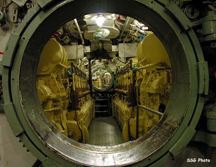 37455_submarine12_122_707lo.jpg