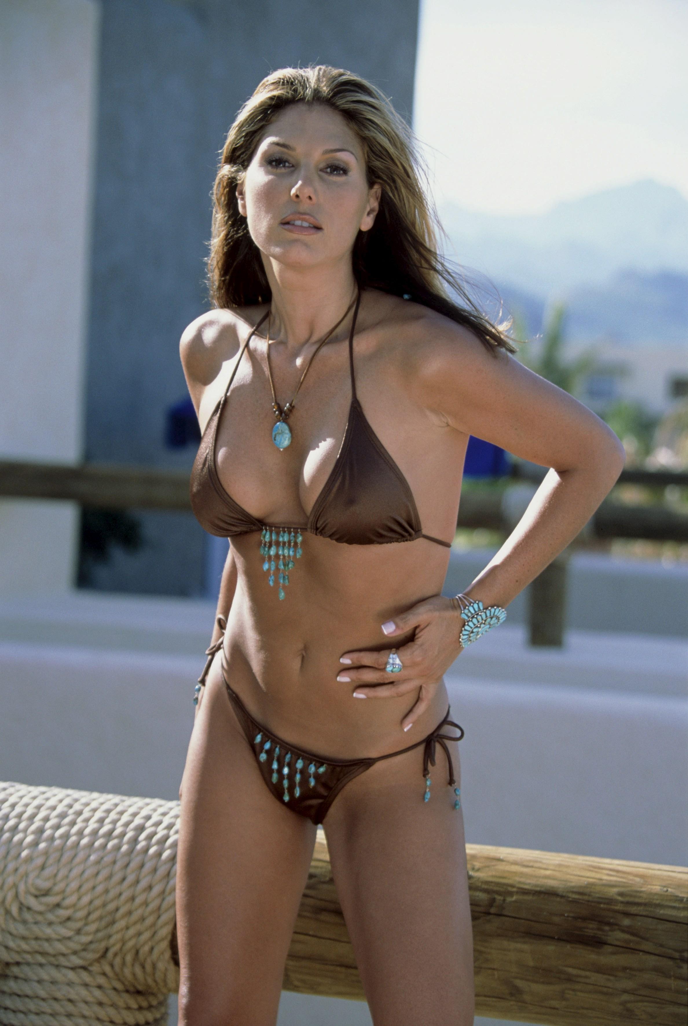 46330_Daisey_Fuentes_bikini_08_122_777lo.jpg