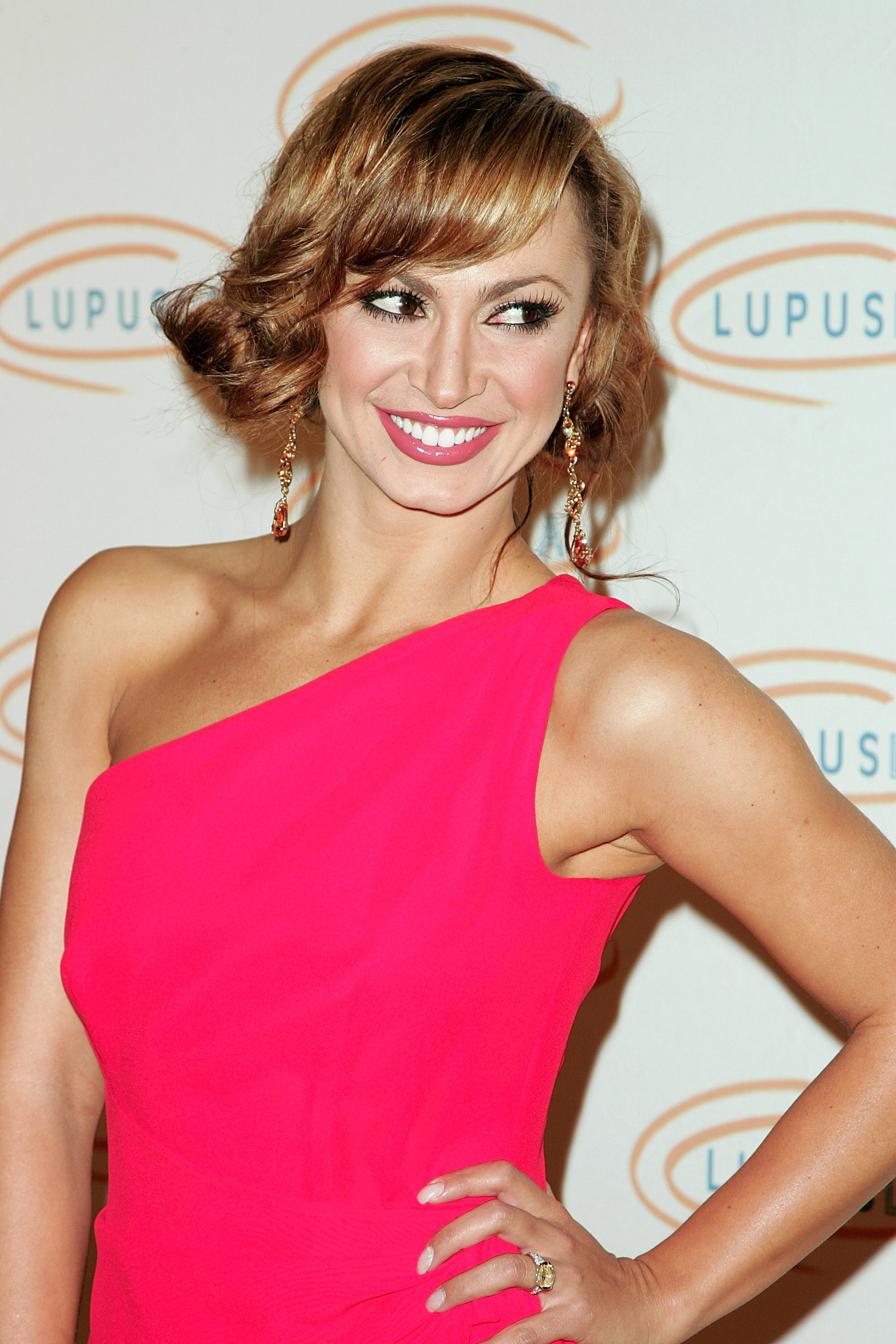 30399_Karina_Smirnoff_2008-11-07_-_Lupus_LA1s_Sixth_Annual_Hollywood_Bag_Ladies_Luncheon_in_Beverly_H_0193_122_767lo.jpg