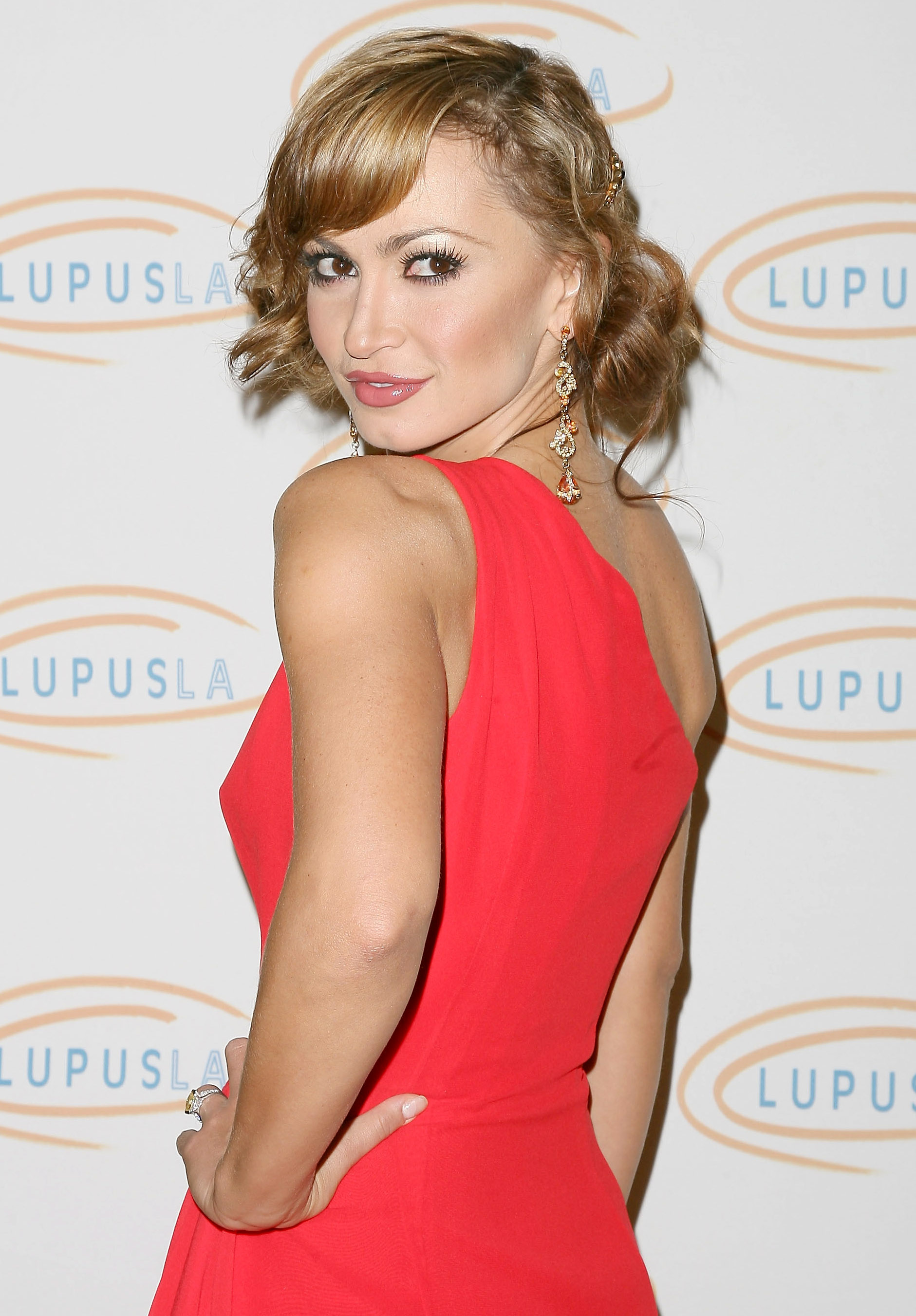 31086_Karina_Smirnoff_2008-11-07_-_Lupus_LA4s_Sixth_Annual_Hollywood_Bag_Ladies_Luncheon_in_Beverly_H_9230_122_642lo.jpg