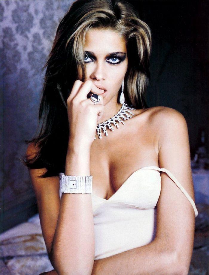 97640_Ana_Beatriz_Barros_Hot_shoot0001_122_70lo.jpg