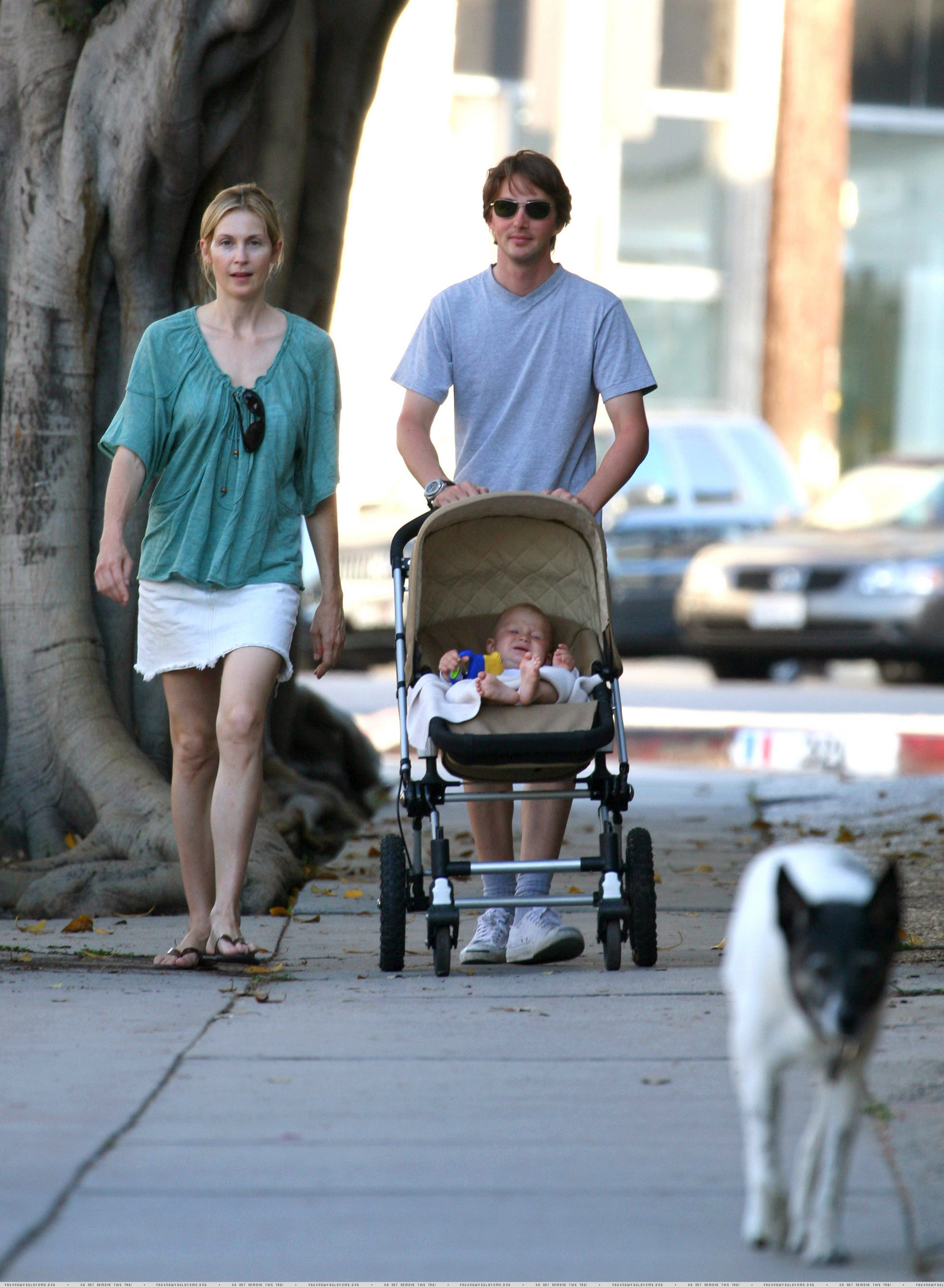 42905_Kelly-and-family-kelly-rutherford-1609563-1876-2560_122_853lo.jpg