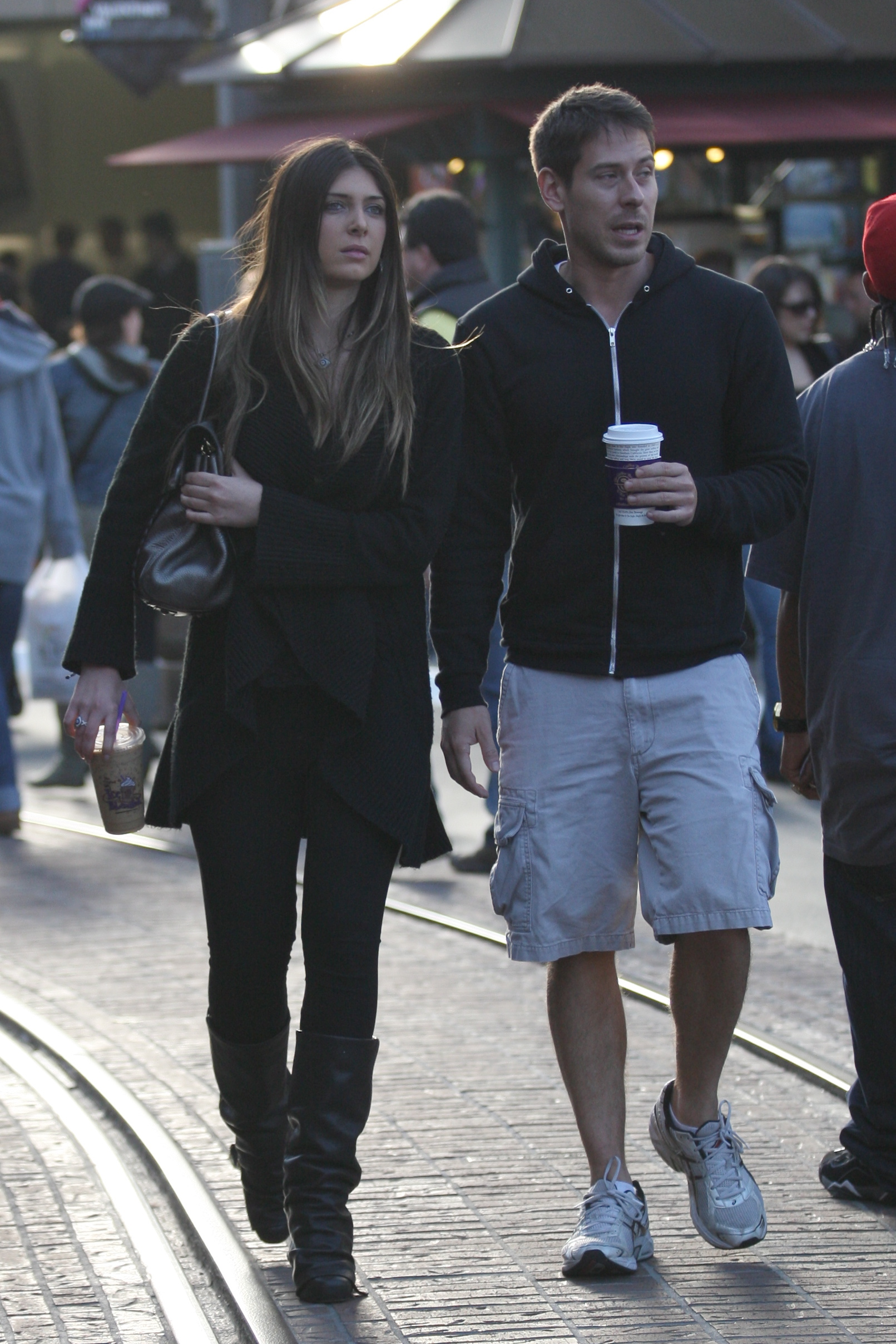 24900_celebrity-paradise.com-The_Elder-Brittny_Gastineau_2010-01-31_-_out_shopping_in_Hollywood_253_122_141lo.jpg