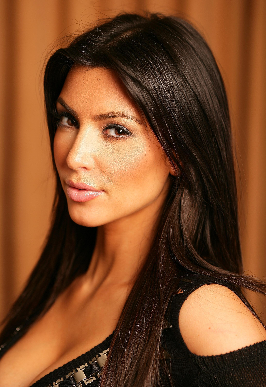 74595_Kim_Kardashian_portait_session_sydney_1_122_40lo.jpg