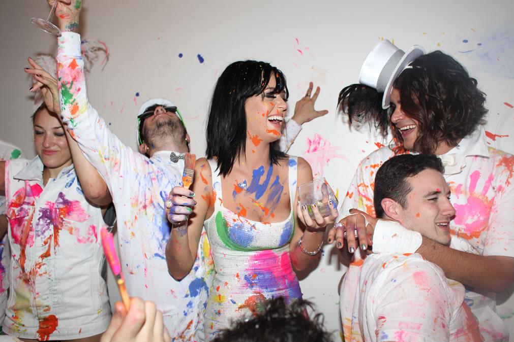 74188_Katy_Perry_25th_Birthday_Party-12_122_58lo.jpg